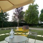 Giardino Le Mandragole tavolini relax
